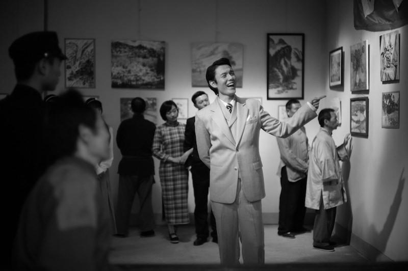 在中国选秀节目出道的歌手张超首次演出电影,在《不成问题的问题》中饰演游手好闲、满口虚言的「艺术家」秦妙斋。|金马影展