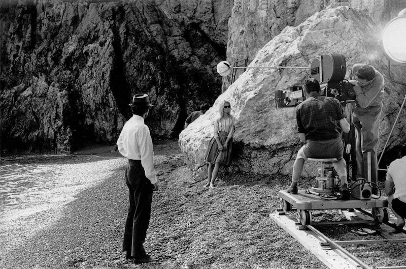 Jean-Luc Godard and Brigitte Bardot on the set of Le Mépris, 1963|来自网络