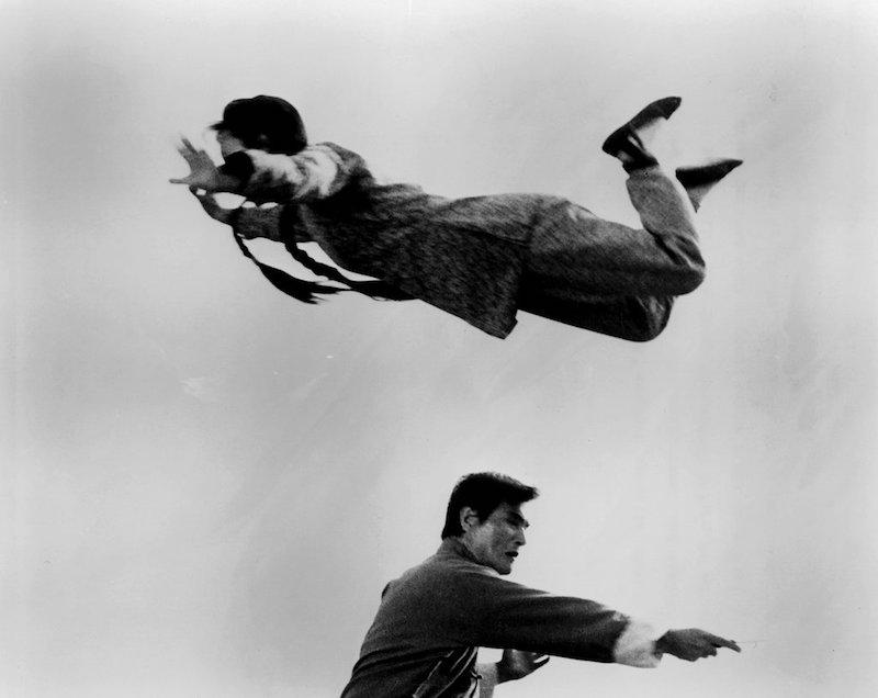曾经与李小龙齐名的她在70年代的数十部电影中拳打脚踢,飞檐走壁,但不到十年便销声匿迹。长久以来,武术爱好者们一直想知道,功夫女王茅瑛身上发生了什么。