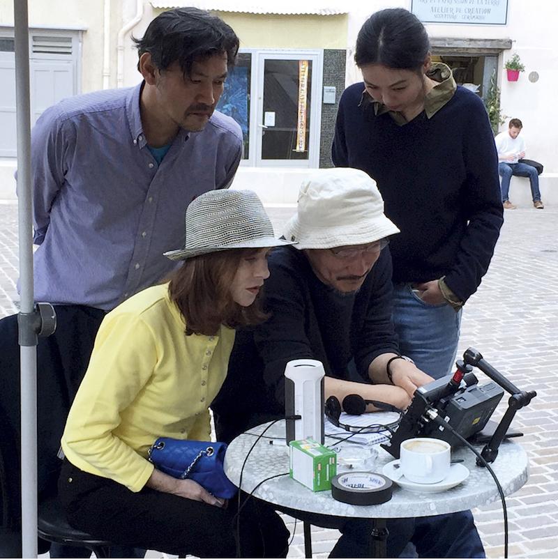 《克莱尔的相机》拍摄现场 来自网络