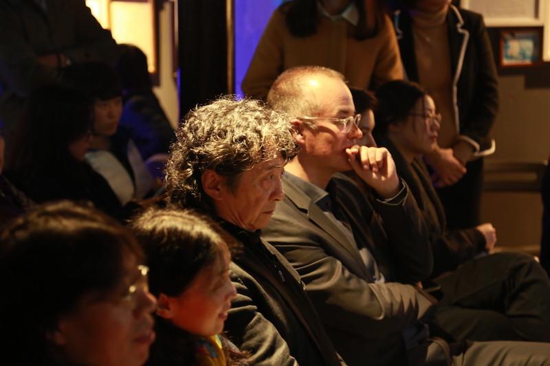 左起:作家西闪、西门媚、艺术家何多苓、歌德学院院长柯理,摄影师:胥明亮|©️白夜谭