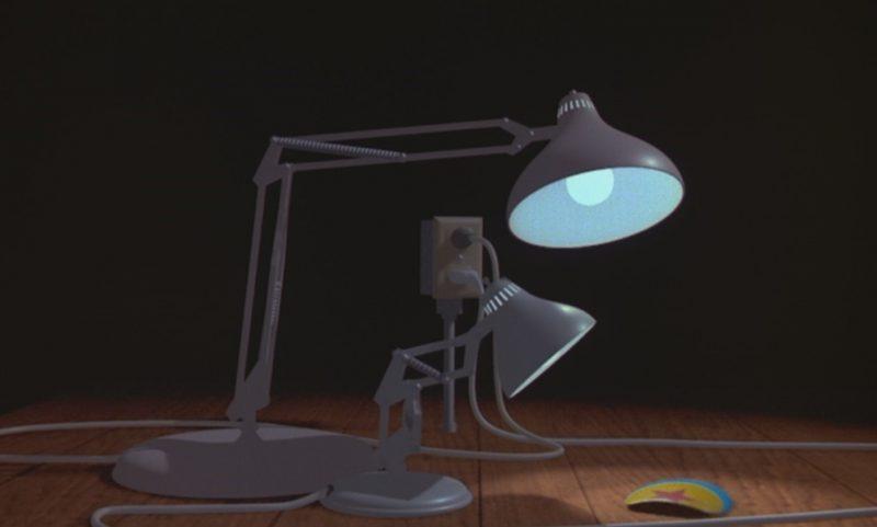 《小台灯》(1986)中的台灯形象成为了皮克斯公司的经典logo | 来自网络